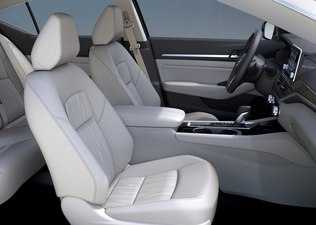 Nissan-Altima-2019-1024-10