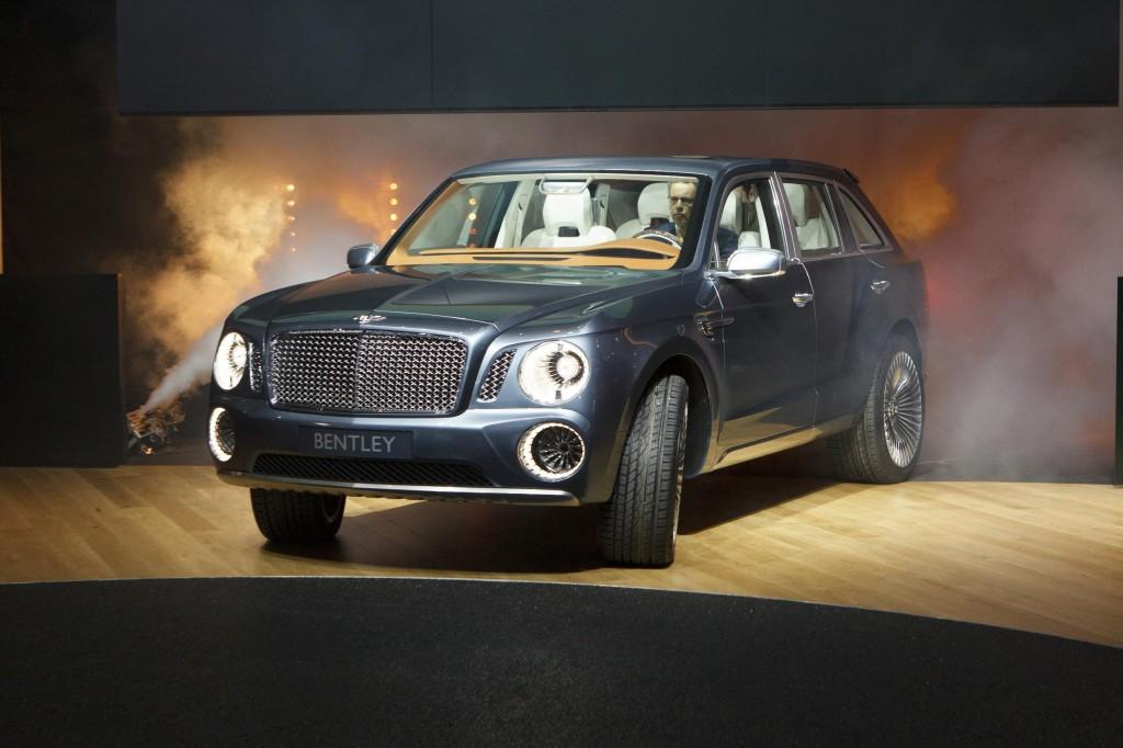 2012_Geneva_Motor_Show_-_Bentley_EXP_9F_(6974977083)
