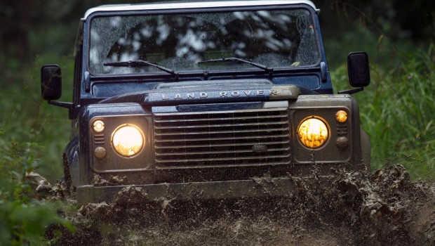 Land_Rover-Defender1-620x350